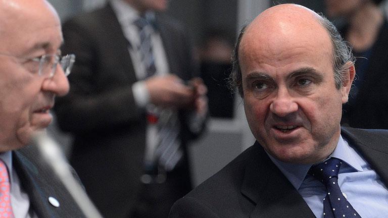 El BCE urge a España a aplicar los presupuestos y De Guindos propone acortar algunos trámites