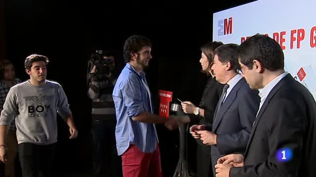 La Comunidad de Madrid duplica el número de becas y los fondos hasta los 22 millones
