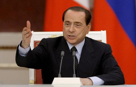 """Obama es """"joven, guapo y morenito"""" ha bromeado Berlusconi"""