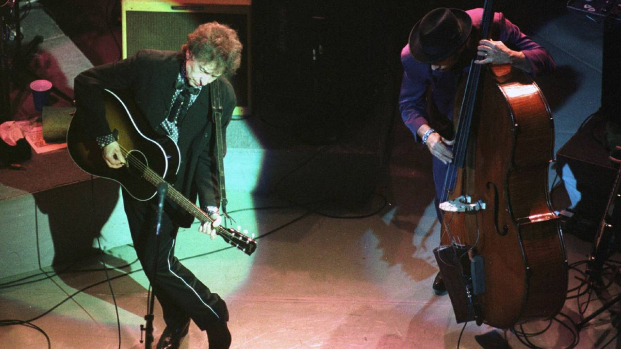 Bob Dylan durante un concierto en Gijón (1999)