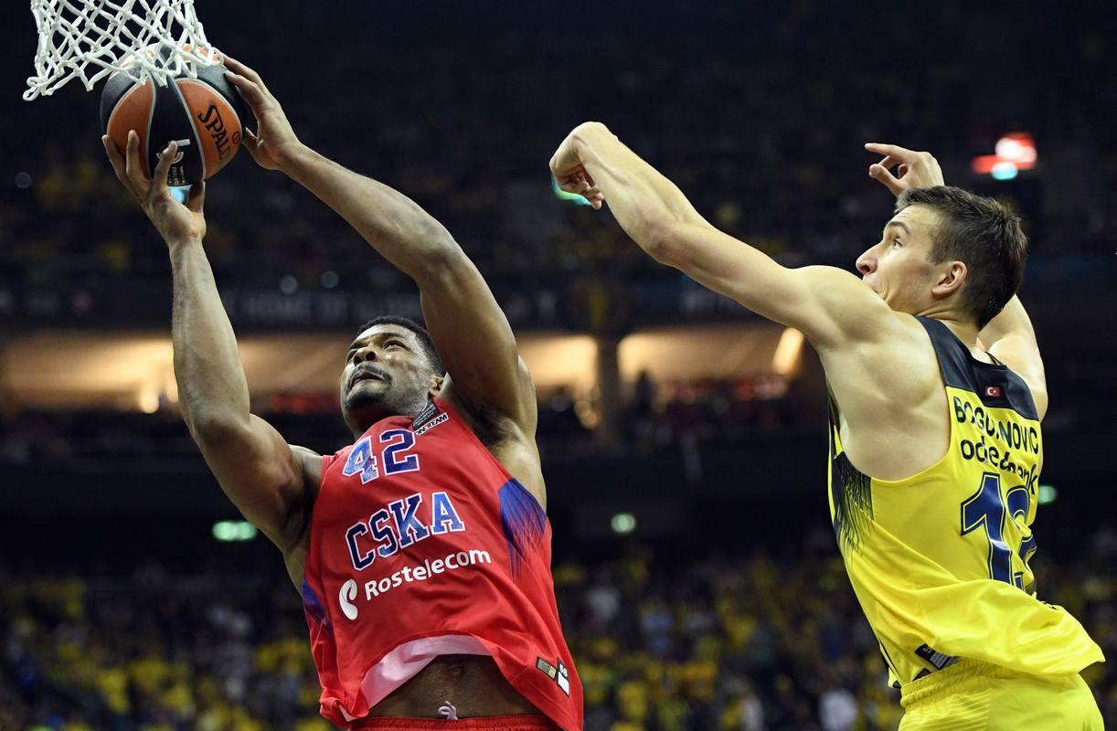 Bogdan Bogdanovic en acción ante Pavel Korobkow.
