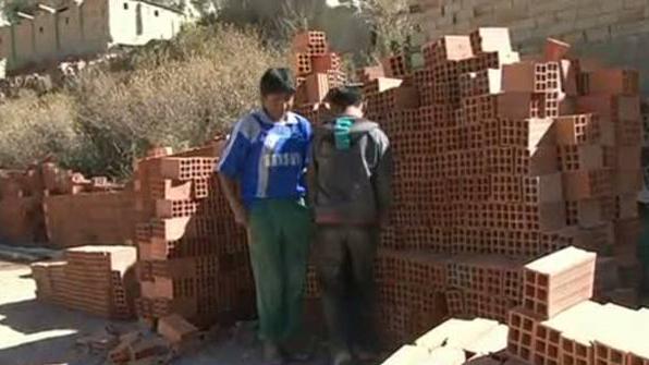Bolivia aprueba una ley que permite trabajar legalmente a niños de diez años