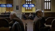 Ir al VideoLa Bolsa de Madrid cerrará sus puertas al público desde septiembre