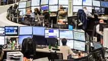 Ir al VideoLas Bolsas chinas vuelven a cerrar de forma prematura por segunda vez esta semana