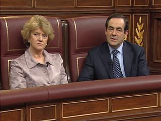 Bono y Soledad Becerril recuerdan el 23 F