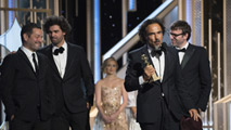 Ir al Video'Boyhood' triunfa en los Globos de Oro 2015
