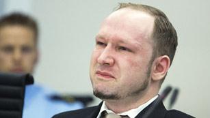 Breivik llora de emoción en el juicio al ver el vídeo propagandístico que él mismo colgó en internet