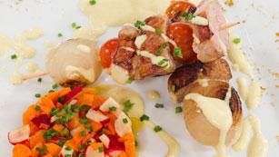 Saber Cocinar - Brochetas de cerdo al curry con rabanitos