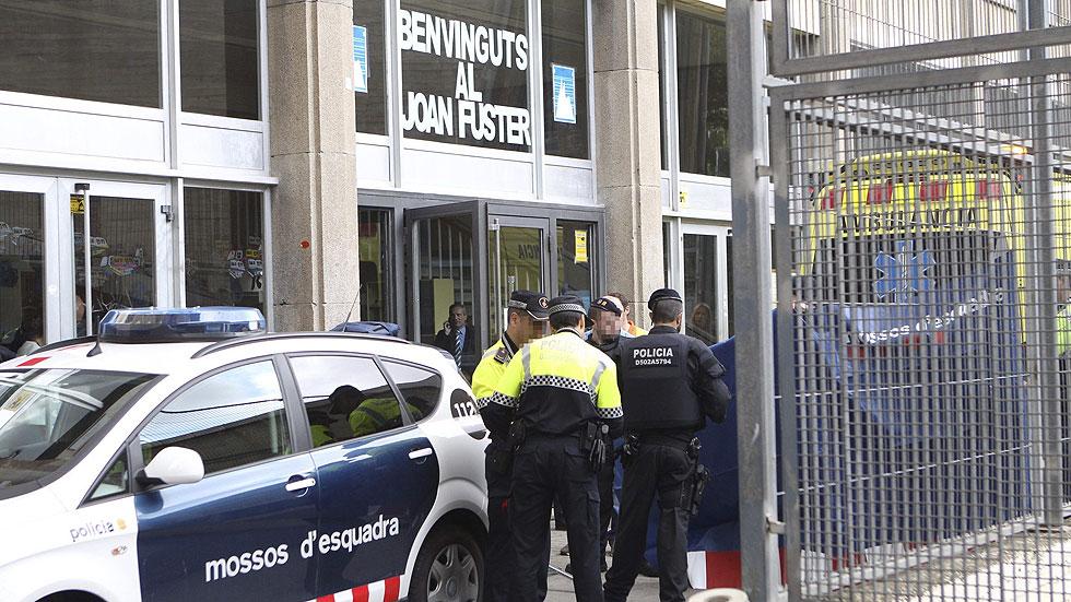 El alumno que ha matado al profesor ha sufrido un brote psicótico, según la Generalitat