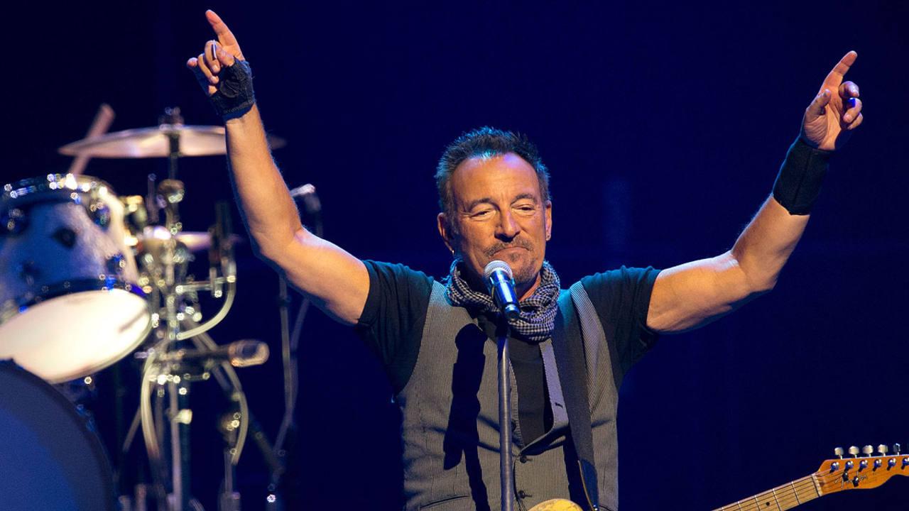 Bruce Springsteen, durante un concierto en París