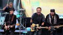 Ir al VideoBruce Springsteen toma Gijón