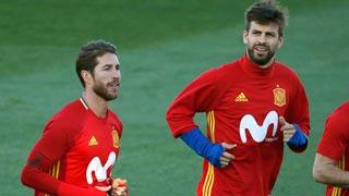 Buena sintonía entre Ramos y Piqué en el entrenamiento