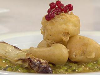 Saber cocinar - Buñuelos de pescadilla con salsa verde y espárragos asados (10/05/11)