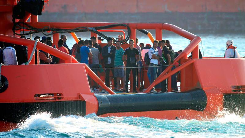 Un buque de Salvamento Marítimo llega al puerto de Algeciras