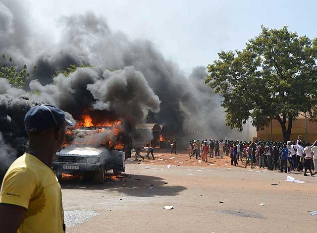 Los burkineses se han movilizado como nunca antes en el pobre país africano.