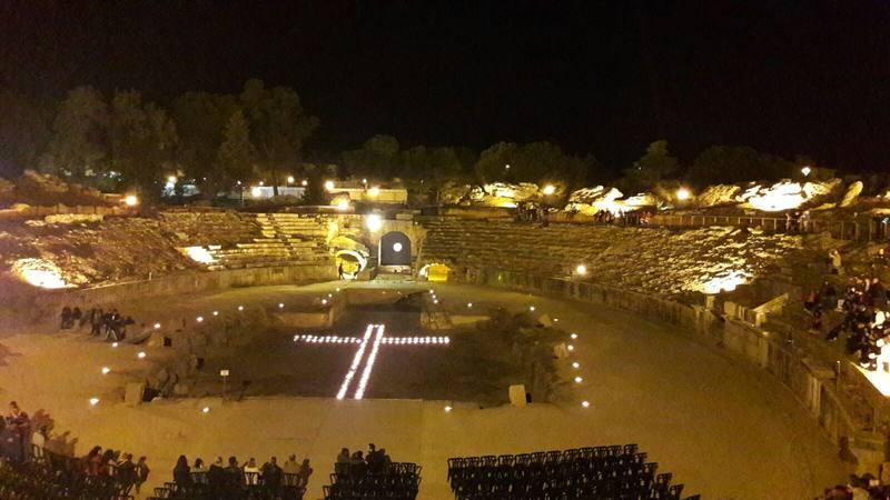 Cada verano, el anfiteatro y el teatro romanos acogen uno de los festivales de teatro clásicos más importantes del mundo