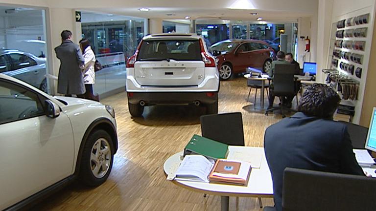 Cae la venta de coches aunque aumenta un 80% la venta de automóviles de lujo
