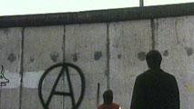 Ir al VideoLa caída del muro de Berlín recreado también en el cine