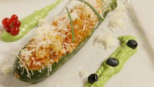 Saber Cocinar - Calabacín relleno de frutos secos con mahonesa verde