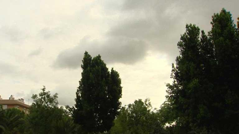 Calor en el oeste peninsular y cielos cubiertos en el Cantábrico