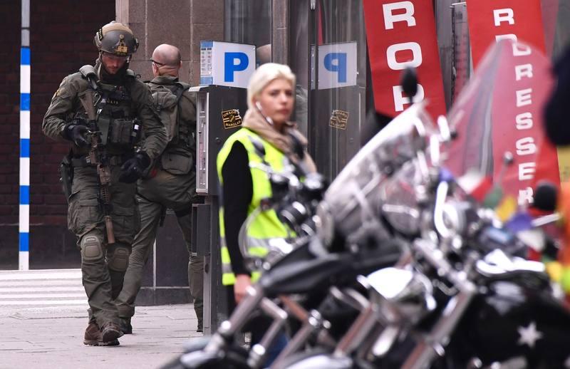 Un camión atropella a varios viandantes en Estocolmo