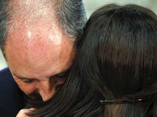 """Ver vídeo  'Camps dimite como """"sacrificio personal"""" hacia Rajoy'"""