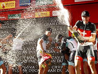 Cancellara le pone el rojo a su compañero Fuglsang
