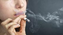 Ir al VideoEl cáncer de pulmón matará a más mujeres que el de mama