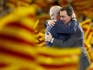 Ver vídeo  'Los candidatos a las elecciones catalanas cierran la campaña'