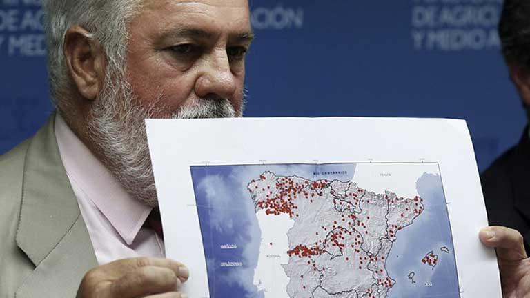 Arias Cañete defiende la labor del gobierno central en el incendio de La Gomera