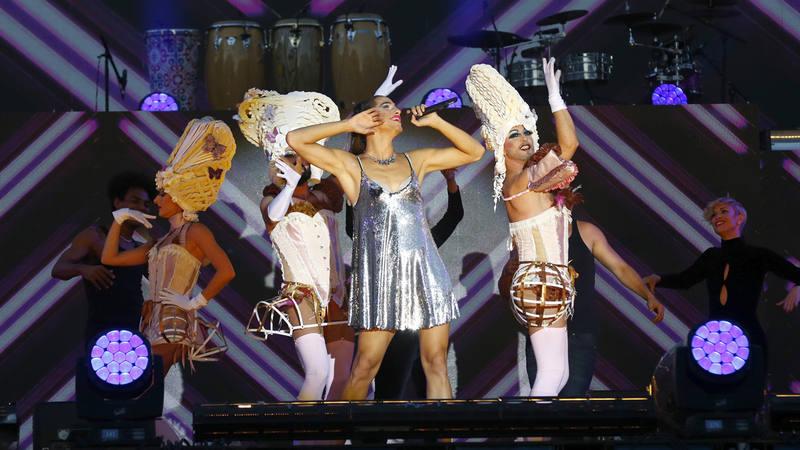 La cantante Diva Sky durante su actuación en la gala de clausura del World Pride que se celebra en la Puerta de Alcalá