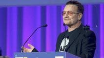 Ir al VideoEl cantante de U2 pide ante el PP europeo una campaña de apoyo a la economía española