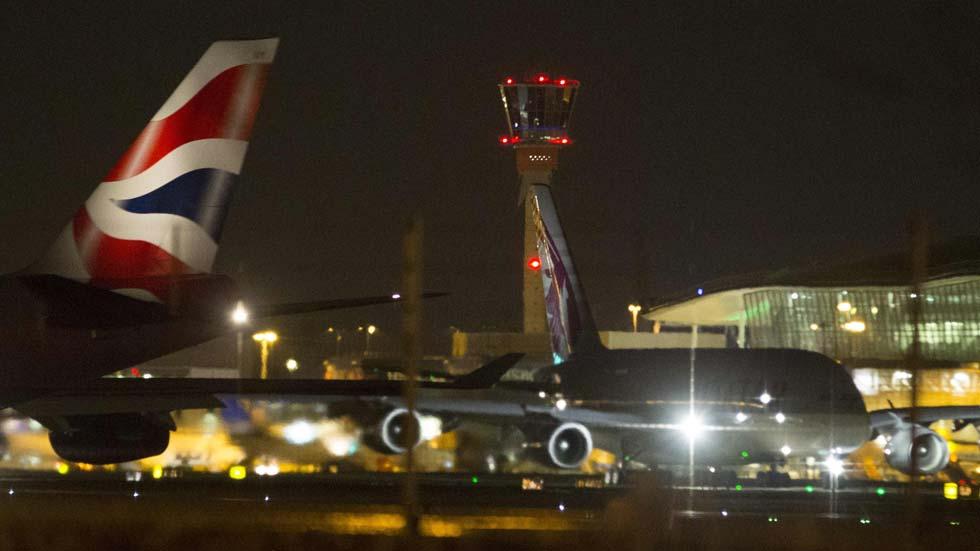 Un fallo informático sume en el caos el tráfico aéreo en el Reino Unido