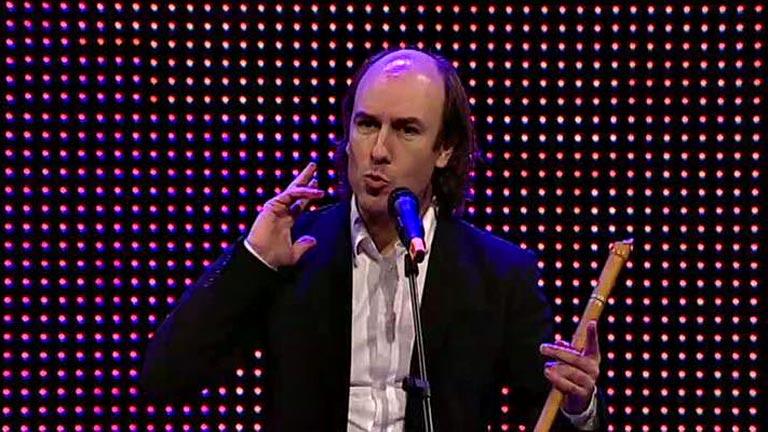 Carlos Nuñez te invita a componer la canción de la Vuelta 2013