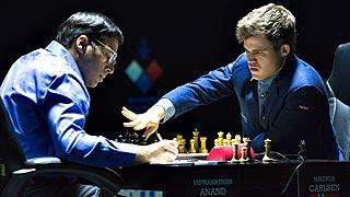 Carlsen derrota a Anand en la undécima partida y retiene el título mundial