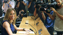 Ir al VideoCarme Chacón renuncia a su escaño en el Congreso pero no se va de la política