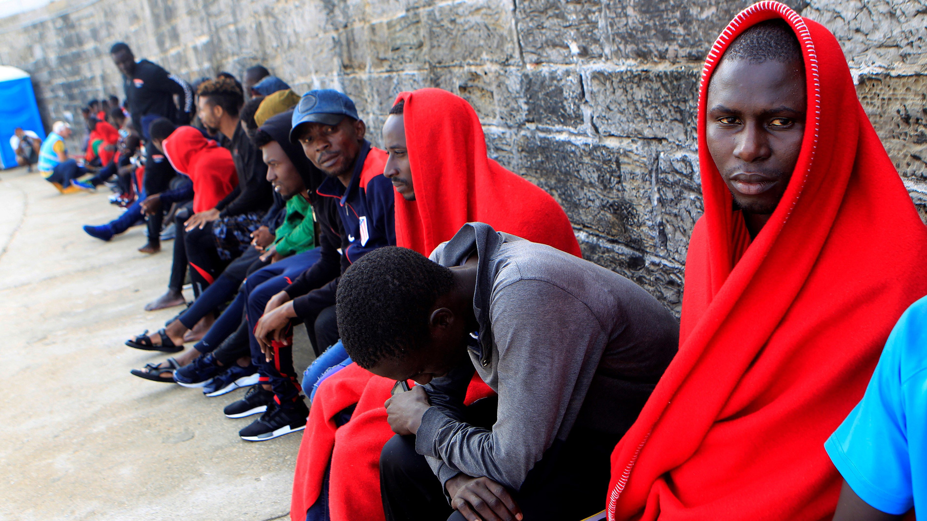 Ir al VideoCasi 1.200 migrantes llegan en pateras a las costas españolas durante el fin de semana