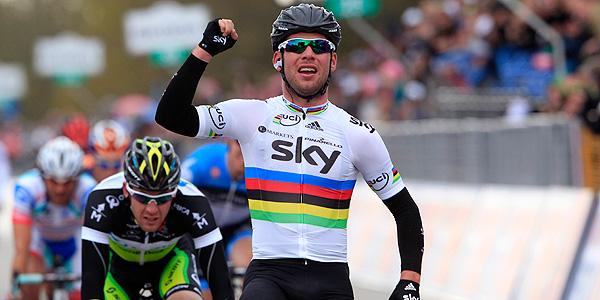 Cavendish se impone en el sprint a Goss.