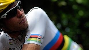 Cavendish se va al suelo antes del sprint