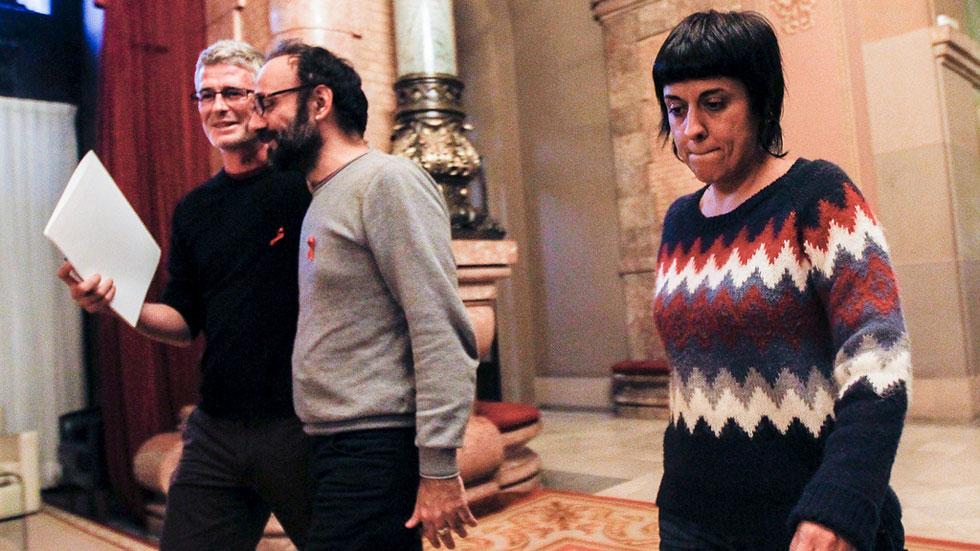 """CDC ve """"un error"""" llevar la cuestión catalana a los tribunales y la CUP llama a la desobediencia"""