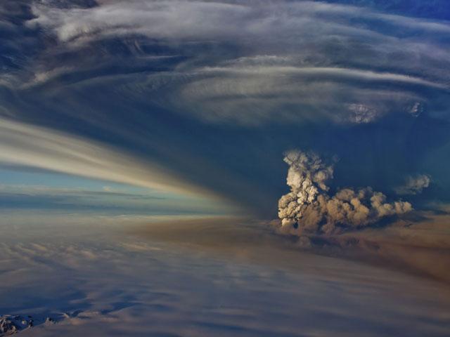 Las cenizas del volcán islandés afectarán este martes al tráfico aéreo de Reino Unido