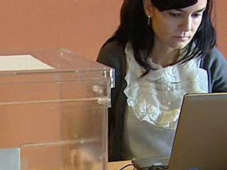 Ver vídeo  'Un centenar de colegios electorales serán administrados electrónicamente'