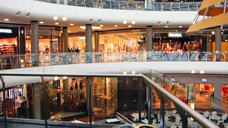 Comando Actualidad - En el centro comercial - Avance