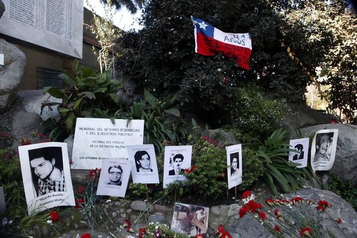 CHILE RINDE HOMENAJE A SALVADOR ALLENDE A 41 AÑOS DEL GOLPE MILITAR
