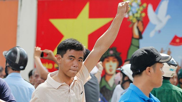 China envía barcos a Vietnam para repatriar a sus ciudadanos por las protestas