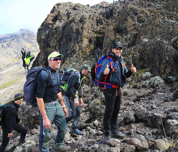 El ciclista Alberto Contador, en su ascensión al Kilimanjaro