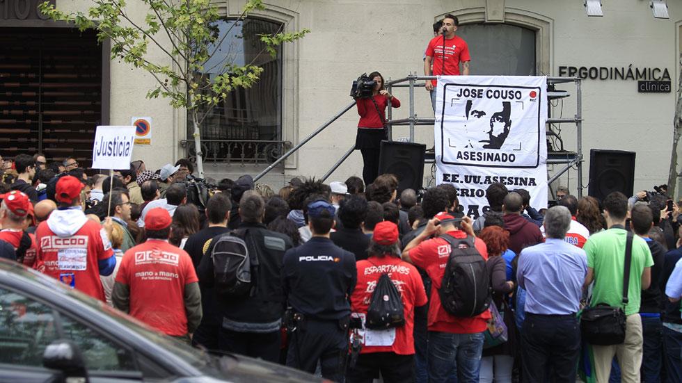 Cientos de personas exigen justicia para José Couso en el 12º aniversario de su asesinato