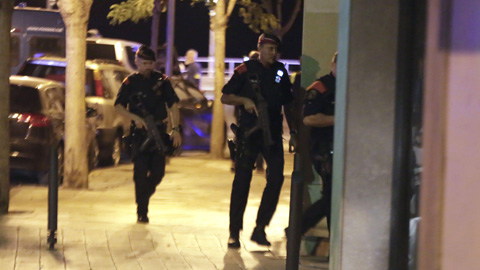 Cinco presuntos terroristas son abatidos en Cambrils después de atropellar a varias personas