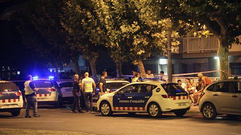 Cinco presuntos terroristas son abatidos en Cambrils después de cometer un nuevo atropello
