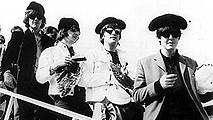 Ir al VideoCincuenta años del concierto de The Beatles en Las Ventas
